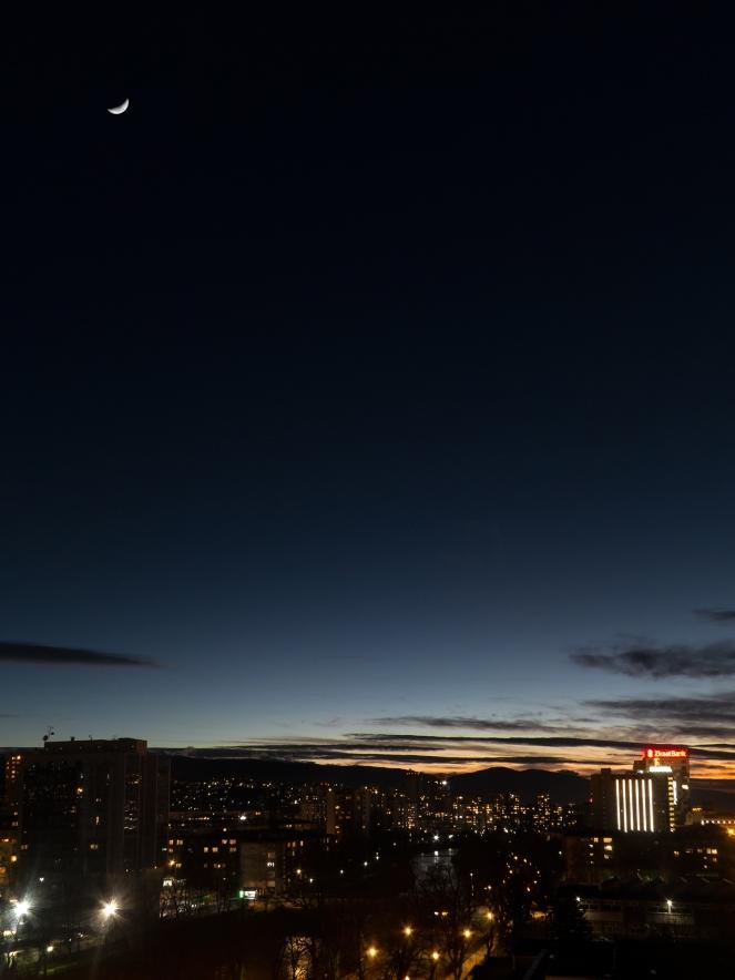 Mjesec-iznad-Sarajeva.jpg